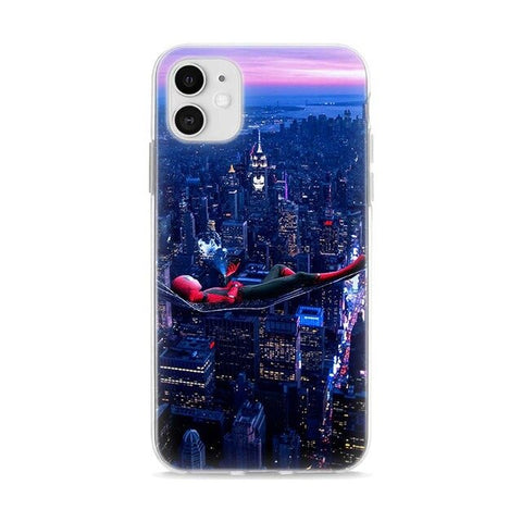 photo vue de face de la coque iphone spiderman nocturne