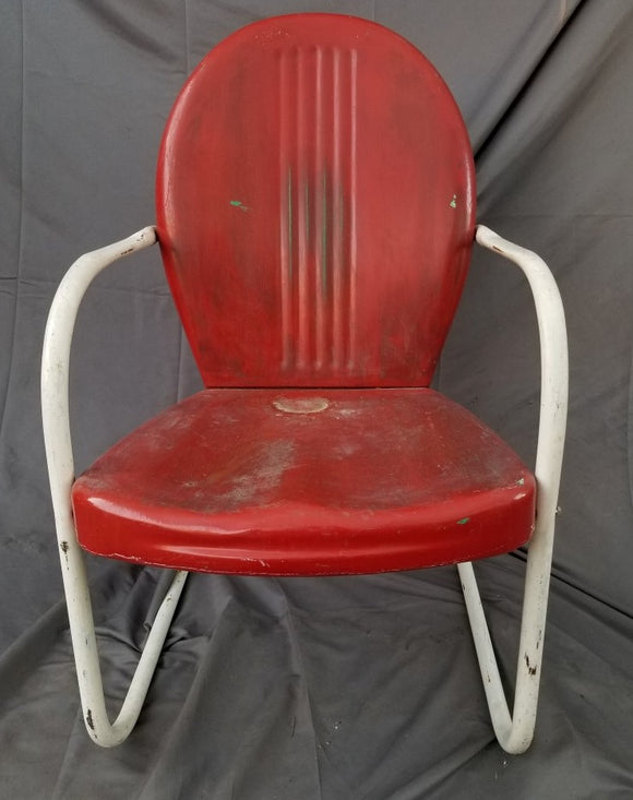 VINTAGE RED AND WHITE METAL PORCH CHAIR