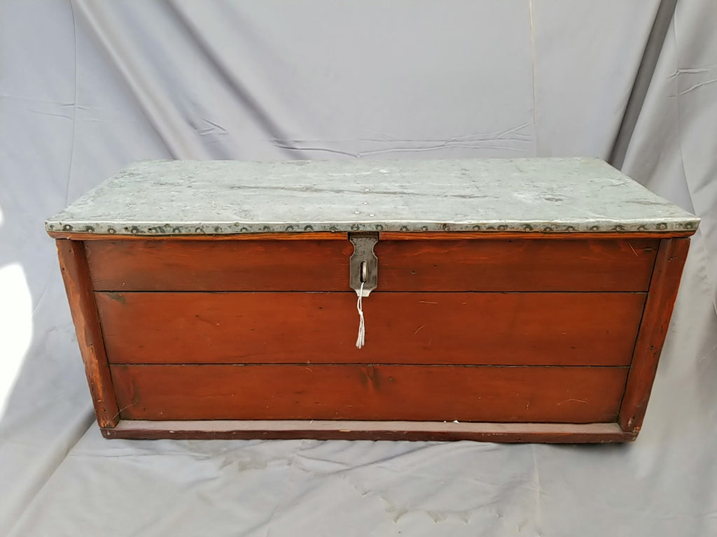 AMERICAN PINE AND ZINC TOP TRUNK