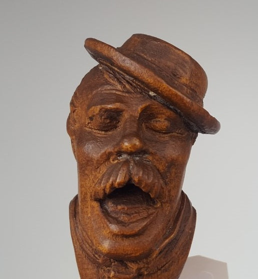 CARVED WOOD OLD MAN BOTTLE STOPPER