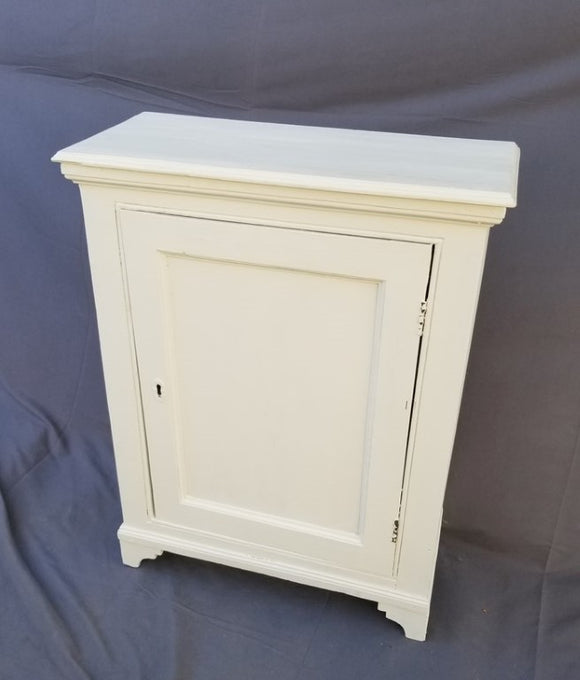 WHITE PAINTED GEORGIAN OAK 19th CENTURY CABINET