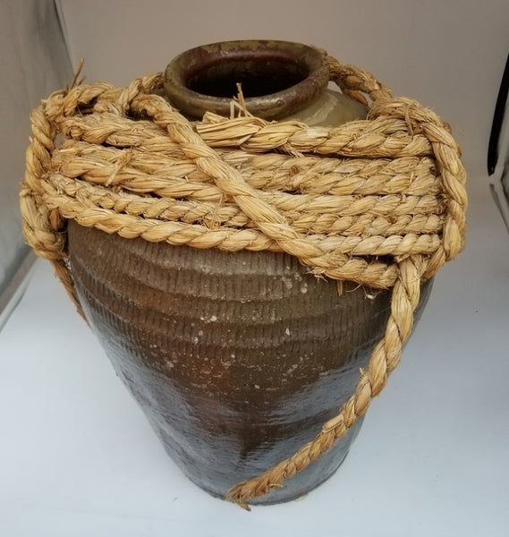 LARGE POTTERY OLIVE JAR WITH INCISING AND ROPE-decor