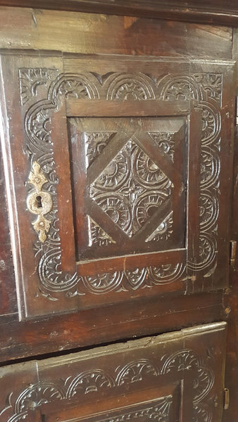 17TH CENTURY FRENCH ARMOIRE