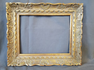 SMALL CARVED GOLD FRAME