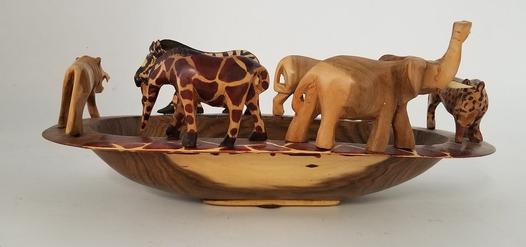 WOOD TRAY ADORNED WITH CARVED AFRICAN ANIMALS