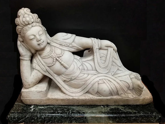 WHITE MARBLE ASIAN STATUE ON GREEN MARBLE BASE