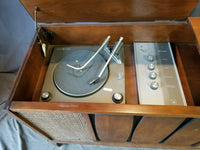 SMALL 1960'S-70'S VOICE OF AMERICA CONSOLE RADIO/PHONOGRAPH