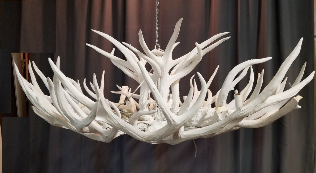 LARGE WHITE RESIN ANTLER CHANDELIER AS IS