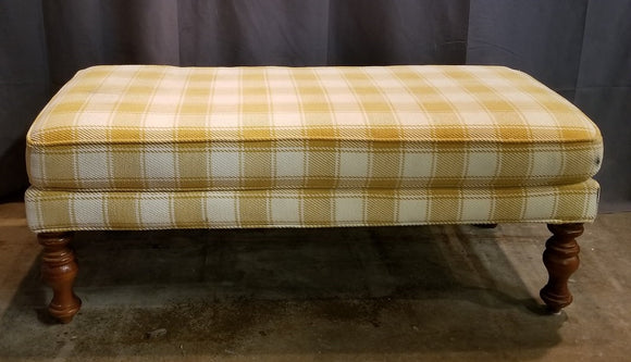 TURNED LEG PLAID UPHOLSTERED BENCH