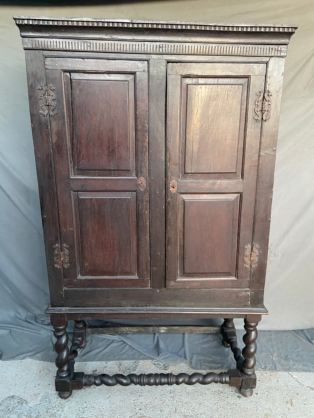 EARLY 19TH CENTURY FRENCH BARLEY TWIST CABINET