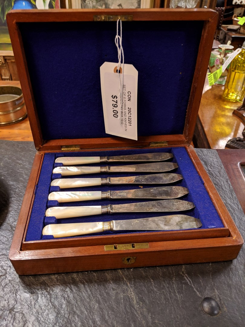 SET OF 6 FORKS AND KNIVES IN MAHOGANY BOX- 1910