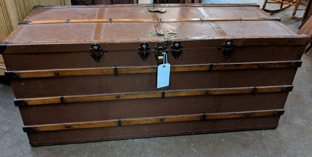 HARD TO FIND EXTRA LONG FITTED STEAMER TRUNK IN AMAZING SHAPE FOR ITS AGE