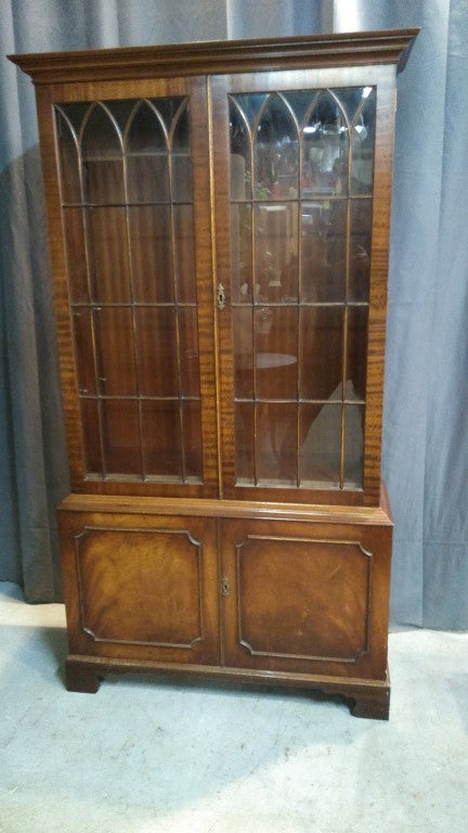 ENGLISH MAHOGANY 4 DOOR MULLIONED BOOKCASE