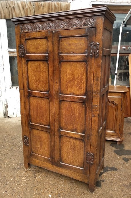 SMALL 2 DOOR PANELED OAK TUDOR HALL ROBE