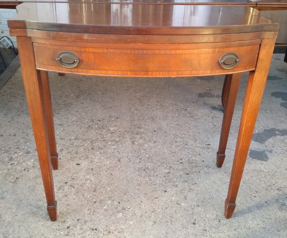 MAHOGANY FEDERAL STYLE FLIPTOP CONSOLE GAME TABLE