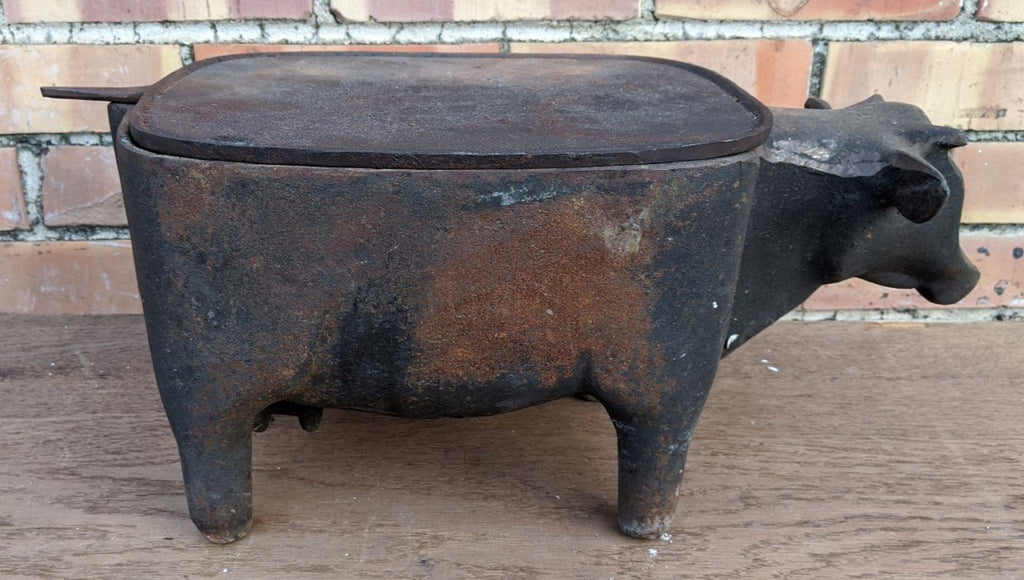 UNUSUAL CAST IRON COW GRILL