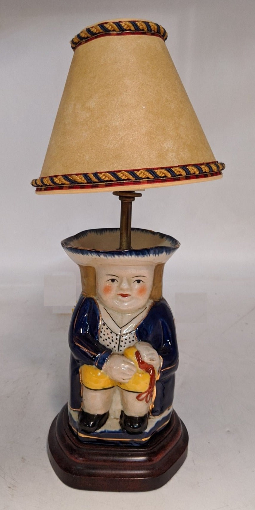 SMALL TOBY CUP LAMP WITH SHADE
