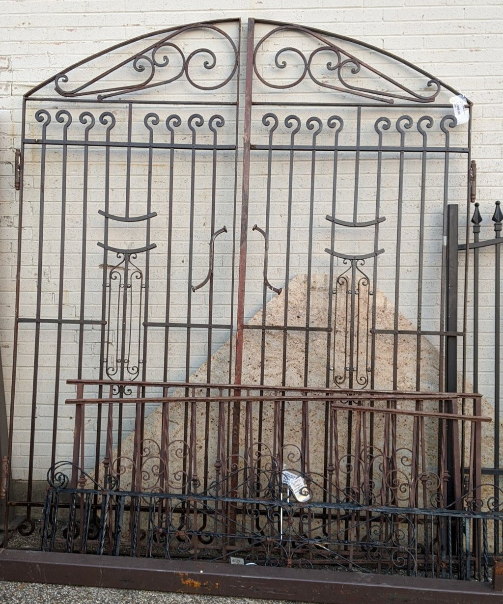 LARGE IRON DOUBLE GATE