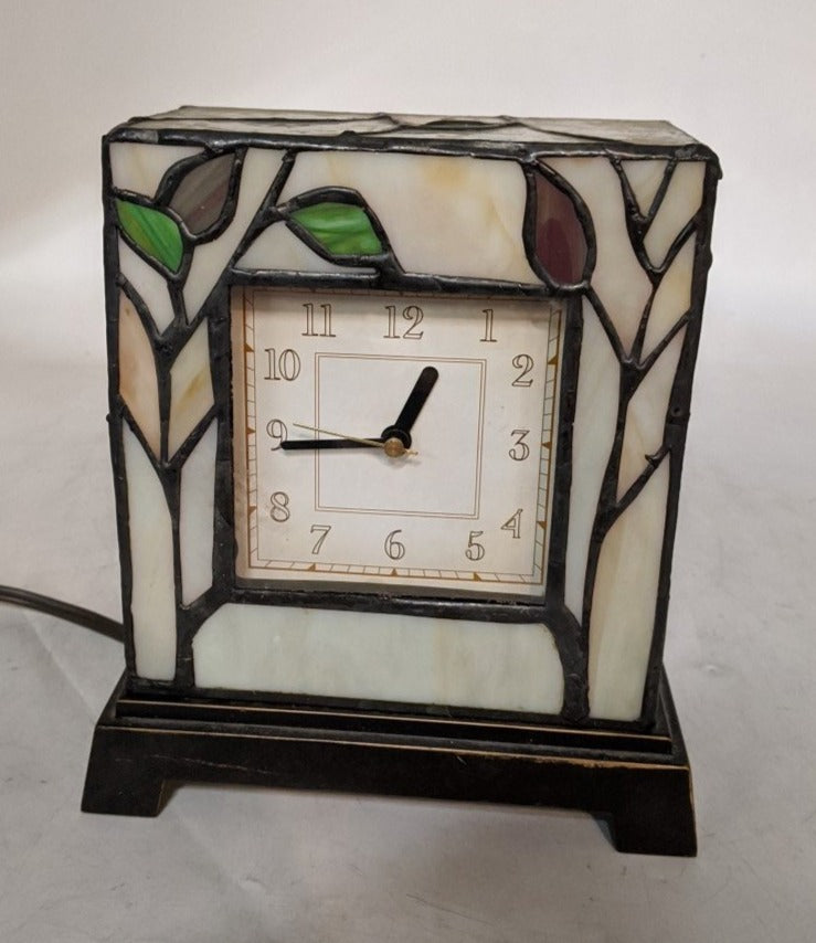 TABLE TOP TIFFANY STYLE STAINED GLASS CLOCK
