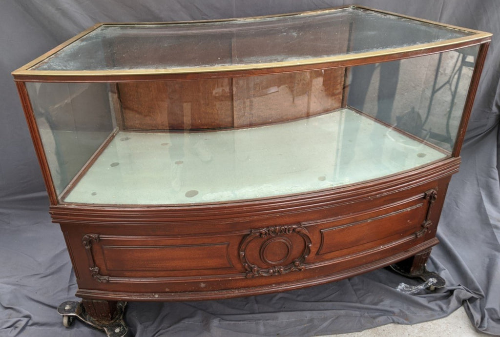 BEAUTIFUL TURN OF THE CENTURY CURVED GLASS SHOWCASE