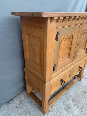 RUSTIC OAK 2 DOOR CABINET WITH CORBELS AND LOWER DRAWER