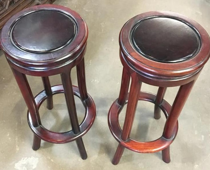 PAIR OR CONTEMPORY MAHOGANY PEDESTALS