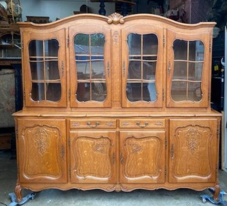 LARGE MID 20TH CENTURY COUNTRY FRENCH STYLE VITRINE CABINET