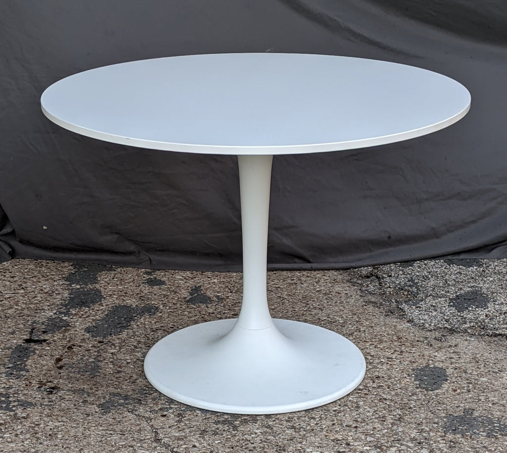 WHITE MODERN PEDESTAL TABLE