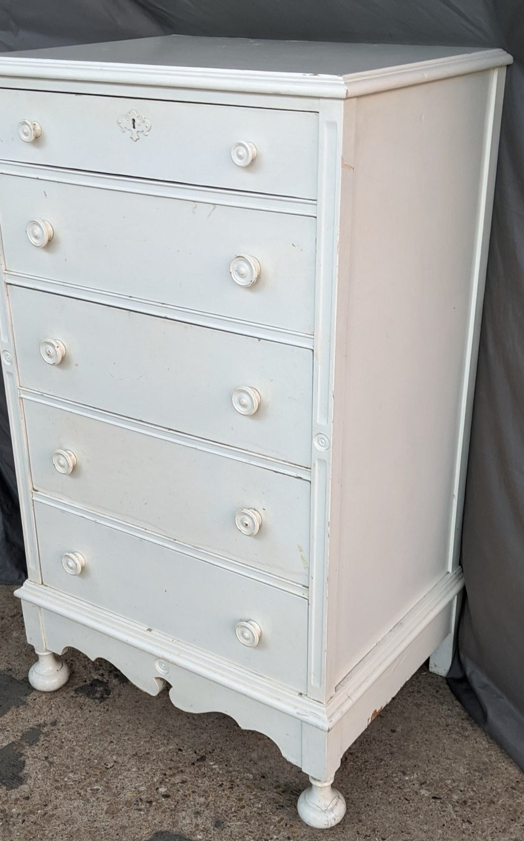 WHITE 5 DRAWER CHEST WITH WILLIAM AND MARY STYLING C. 1940