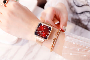 NEW FASHION QUARTZ WATCH