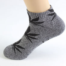 Load image into Gallery viewer, 1 Pair Men Socks Cotton Spring Summer and Autumn Weed Colorful Male Short Soft Breathable Wet Socks Maple Leaf Casual Socks