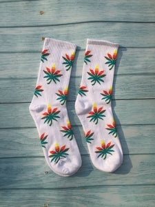 Fashion comfortable high quality cotton socks leaf maple leaves leisure hemp weed stockings spring and autumn winter