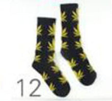 Load image into Gallery viewer, 1 pair Men Maple leaf Socks fashion Weed Socks Long Skateboard hiphop sock Meias women unisex Harajuku Hemp Calcetines