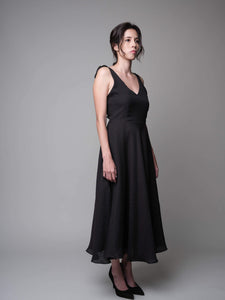 A Lovely Dance V-Neck Dress in Black - capsulebyedith