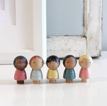 Load image into Gallery viewer, Kokeshi Friendship dolls set of 5