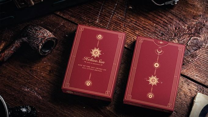 Helius Sun Playing Cards (CAJA CON DEFECTO EN UNA ESQUINA)