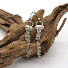 Load image into Gallery viewer, Graceful Lantern Earrings
