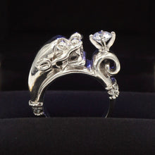 Load image into Gallery viewer, Dragon Head Ring