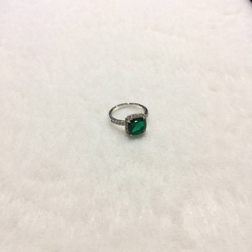 9k White Gold Emerald CZ RIng