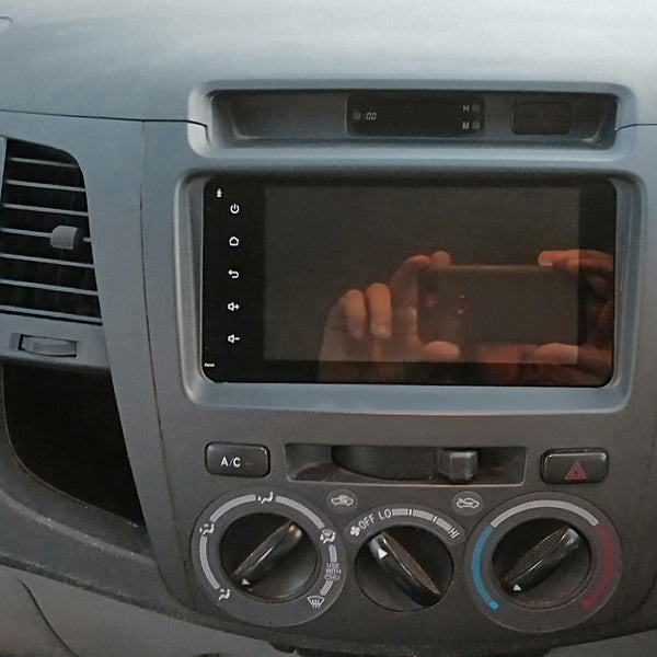 7inch Head unit to suit Hilux / Hiace / 70series etc