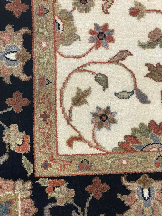 Indo Persian 4'X6' Hand knotted area rug