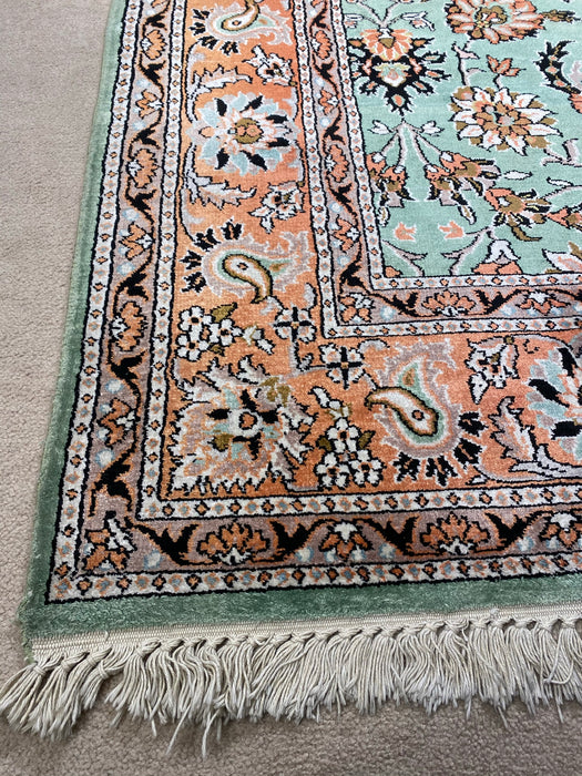 8'0X10'0 Pure Silk Persian Hand Knotted Area rug
