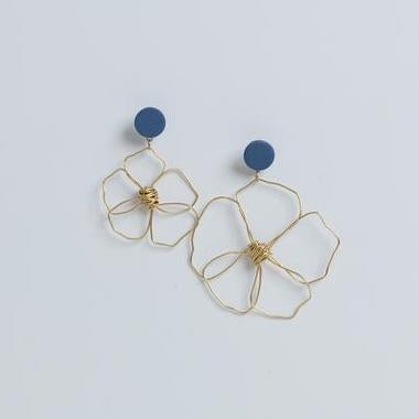 MARNIIE JEWELLERY ODD PAIR DAISYS EARRINGS - CHROMA STUDIO MELBOURNE
