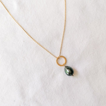 Piedras Mini Black Pearl Pendant in Gold Necklaces Sayulita Sol