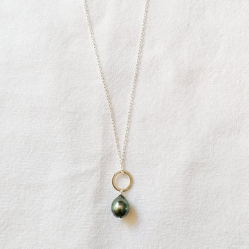 Piedras Mini Black Pearl Pendant in Silver Necklaces Sayulita Sol