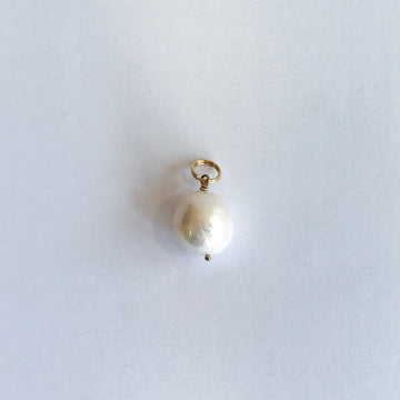 White Pearl Isla Pendant in Gold - Sayulita Sol Jewelry