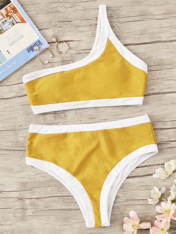 Sexy Single Shoulder Hemming Split Bikini Swimsuit - Zebrant