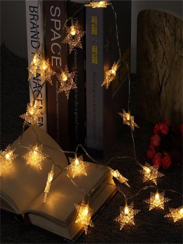Christmas LED Garland Lights, New Year Decoration in Stars Shape - Zebrant