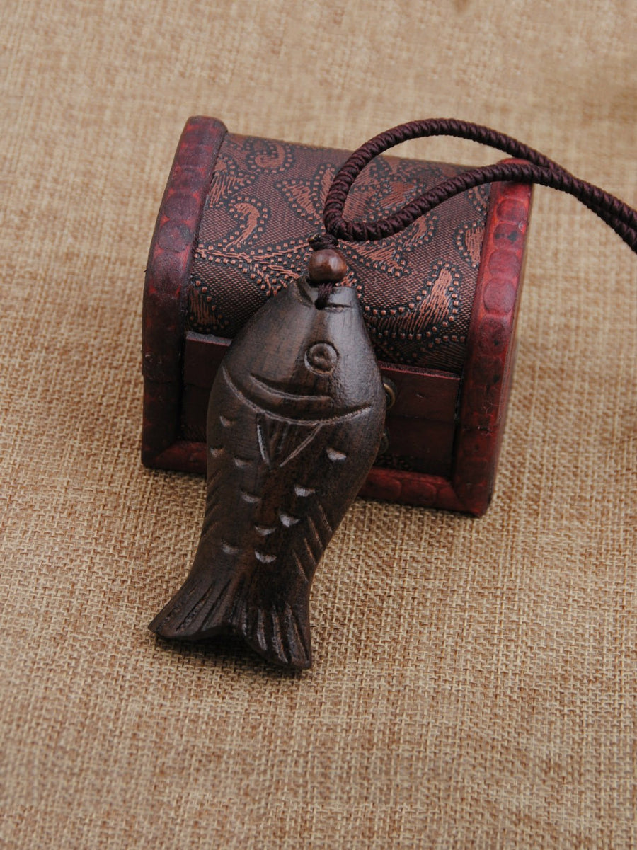 Authentic Vintage Wooden Fish Necklace in Brown Color - Zebrant