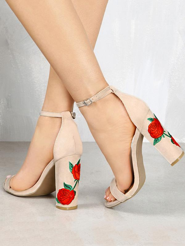 Pretty Embroidered Chunky Heels Shoes